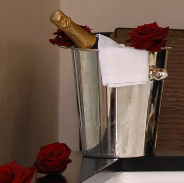 The fake champers image