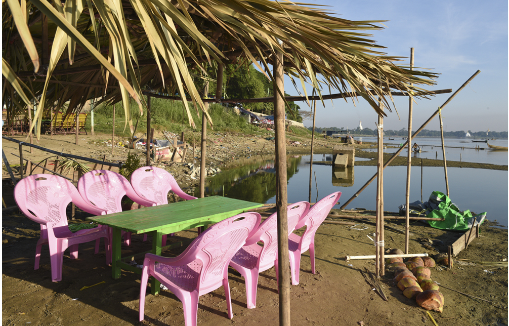 The pink Chairs of Mandalay