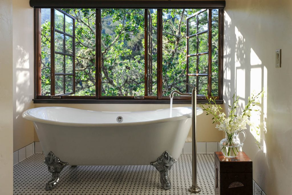 Bathrooms with a view to the great outdoors